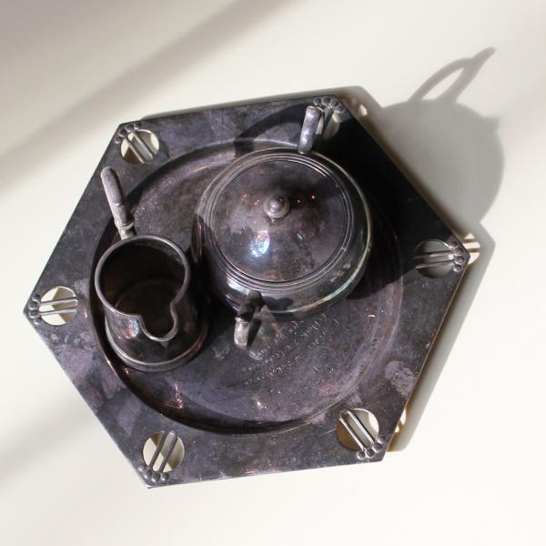 Silbernes Teeserservice (Kännchen & Dose)